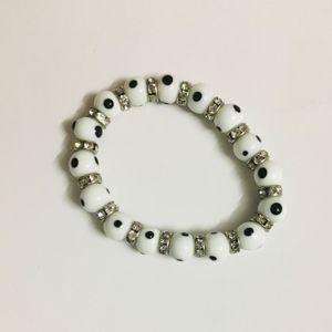 White & silver beads bracelet